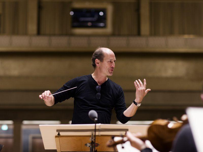 Dirigent Peter Rundel Foto: Astrid Ackermann