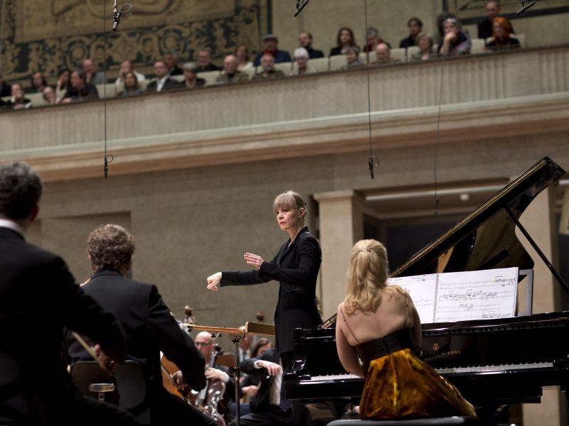 Susanna Mälkki und das BRSO (c) Astrid Ackermann
