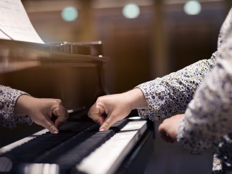 Pianist Nicolas Hodges. Foto: Astrid Ackermann