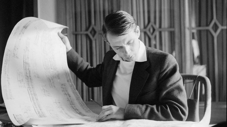 Stockhausen im Jahr 1957 mit KLAVIERSTUCK XI