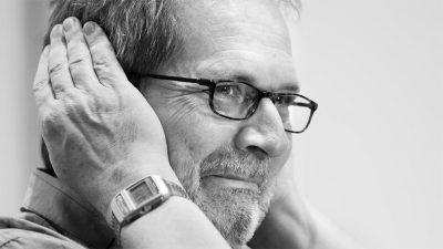 Der Dirigent und Komponist Peter Eötvös